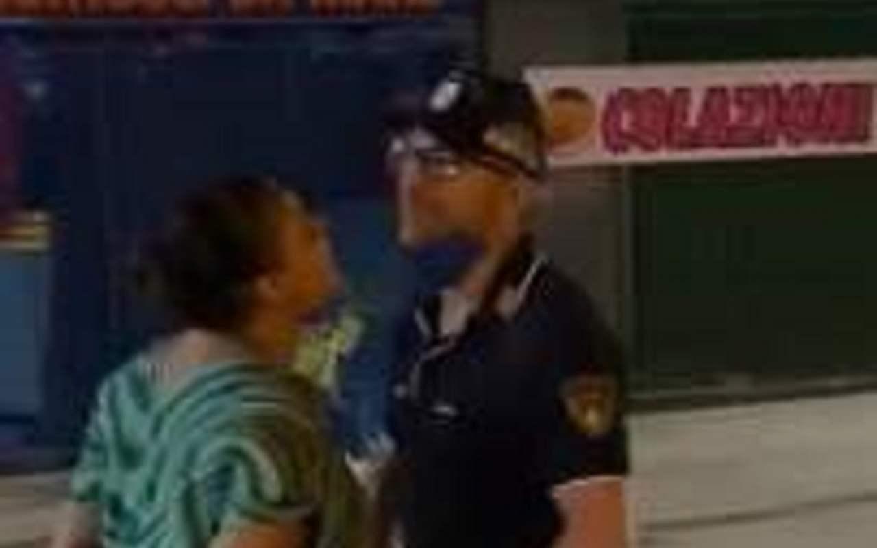 Donna e poliziotto