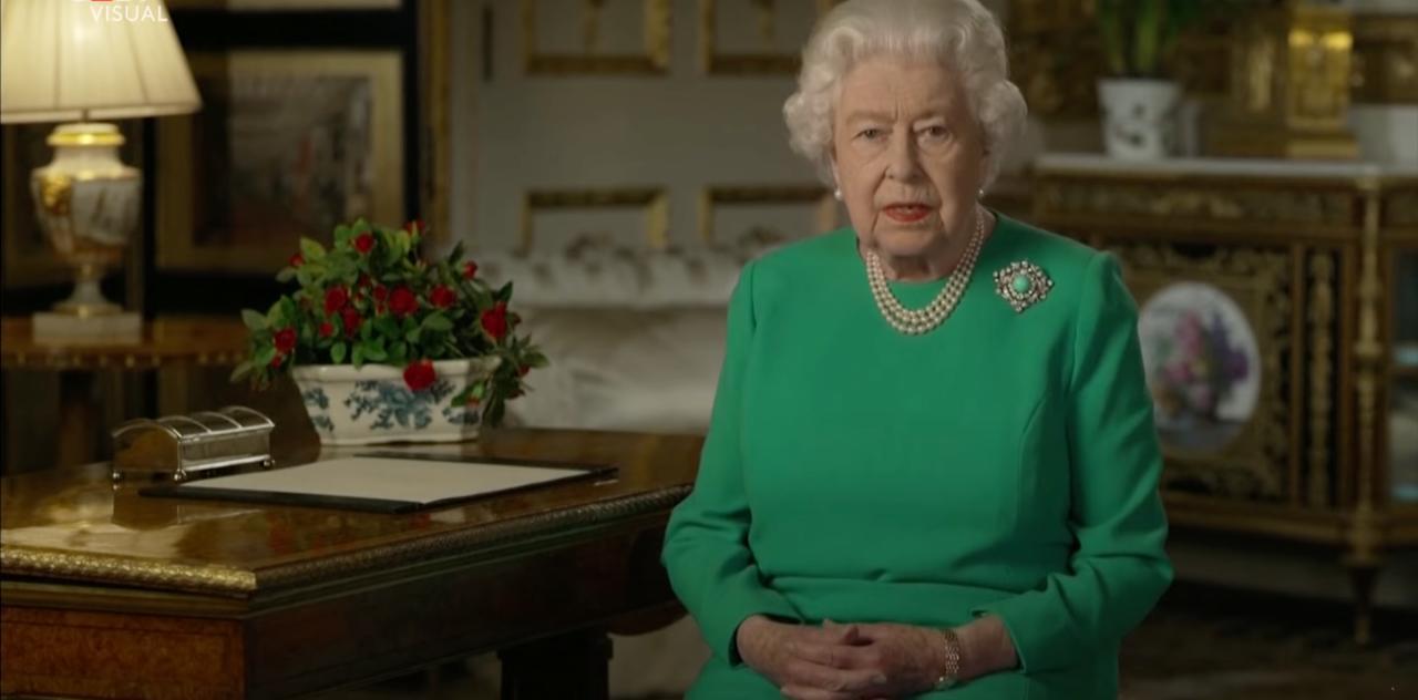 La Regina Elisabetta (screenshot youtube)